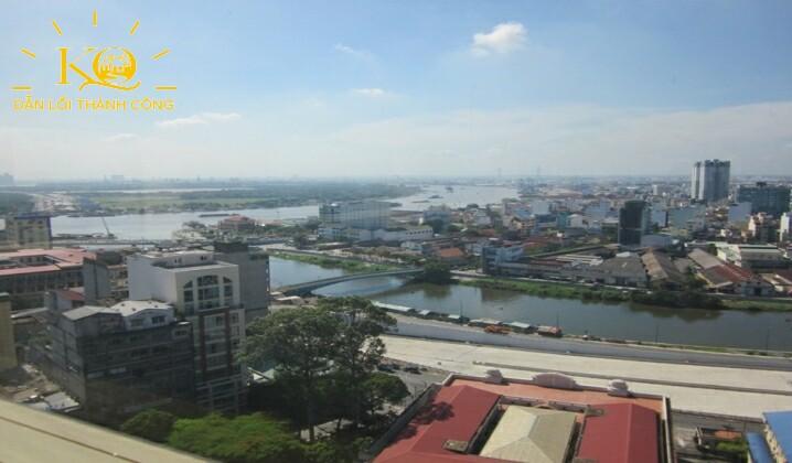 view sông nhìn qua Quận 4