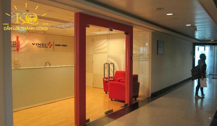 hành lang bên trong  văn phòng saigon trade center