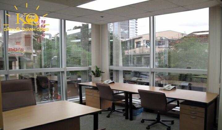 một văn phòng làm việc bên trong tại sun wah tower